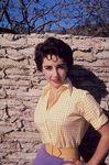 liz_taylor_chemisier_vichy_1956_by_sanford_roth_1_1