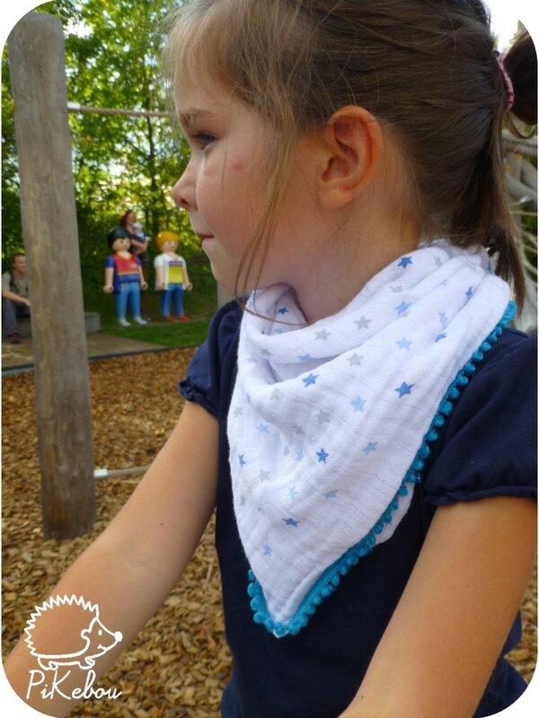 foulards lange pompons pikebou 4