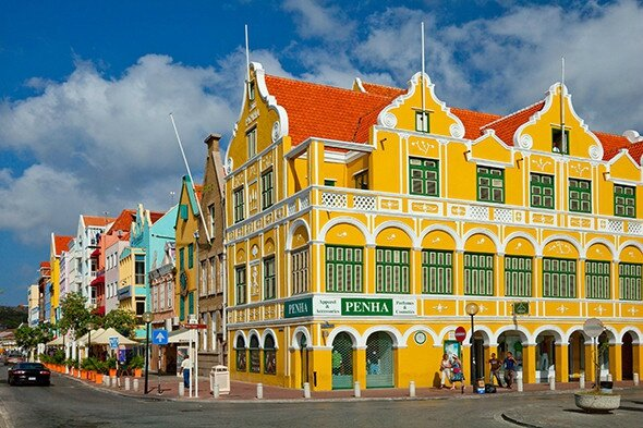 willemstad-curacao-architecture-590-590x393