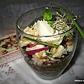 Salade de haricots blancs avec des filets de merlu et des filets de truite, à l'huile d'olive