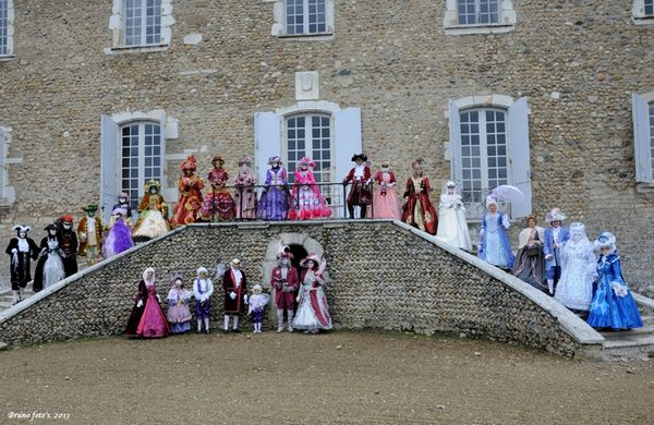Chateau Virieu-2013-06-02-10-37-43-groupe devant escalier