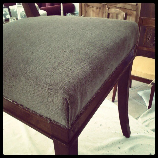 tapisserie-ameublement-chaise-chair-tissu-comment-recouvrir-une-chaise
