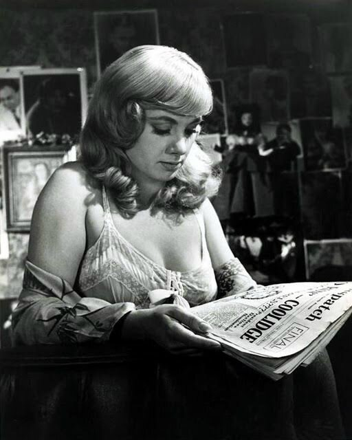 shirley jones reading