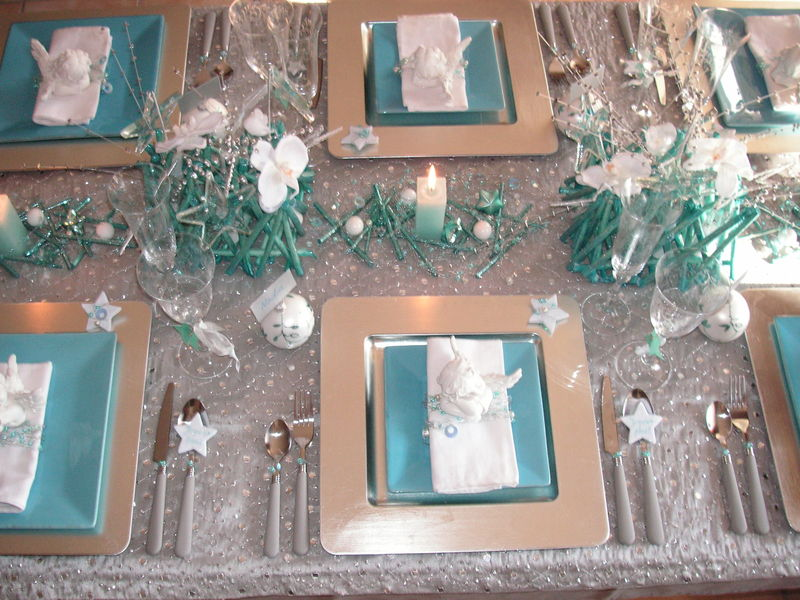 Pict0041 0001 photo de table no l argent turquoise a - Decoration de table de noel argent ...