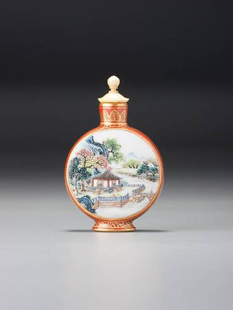 A__famille_rose__enamelled_porcelain_moonflask__landscape__snuff_bottle3
