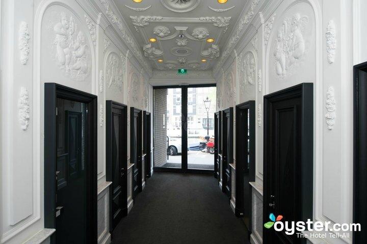 entrance--v2347604-720