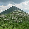 Les pyramides de Bosnie sont les constructions les plus sophistiques et les plus complexes de cette planete