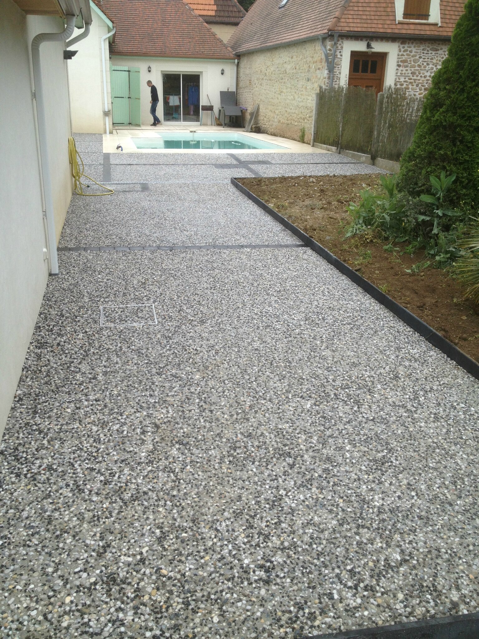 Satp m sallaberry amenagement cours terrasses chemins beton desactive pau dax orthez - Prix amenagement jardin au m2 ...