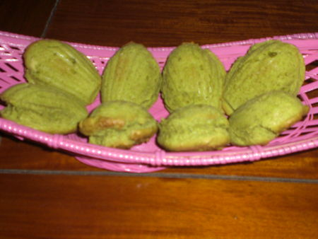 Madeleines_th__matcha