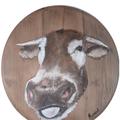 Une drôle de vache peinture à l'huile sur fond de tonneau (diam 0.45 cm) 35.00€