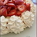 PAVLOVA AUX FRAISES - PAVLOVA A LAS FRUTILLAS 