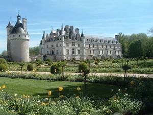 Chenonceau_vue_du_jardin_de_Catherine_de_M_dicis_le_26