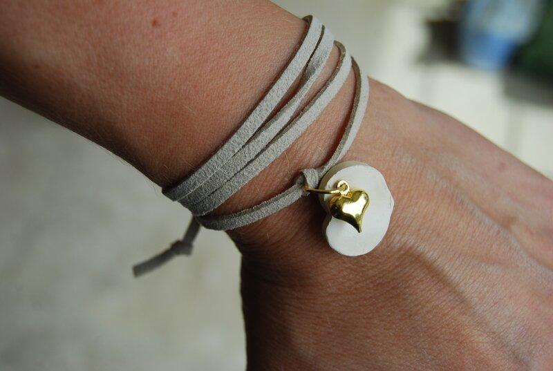 Bracelet daim écru à nouer (dispo)