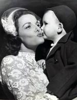 film-gpb-Jane_Russell_and_adopted_son_Thomas_Waterfield