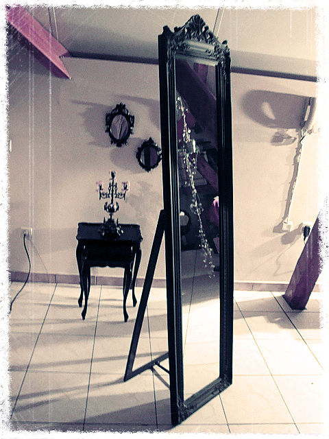 grand miroir 1 photo de grand miroir baroque le bric. Black Bedroom Furniture Sets. Home Design Ideas