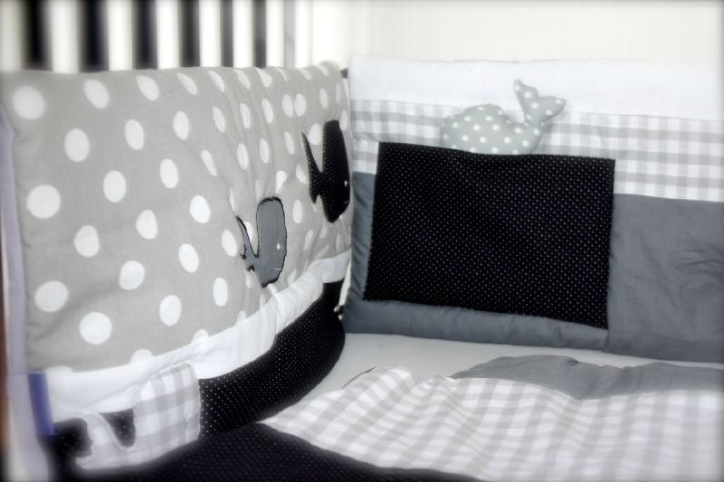 tour de lit et gigoteuse gris blanc et noir little fish shop. Black Bedroom Furniture Sets. Home Design Ideas