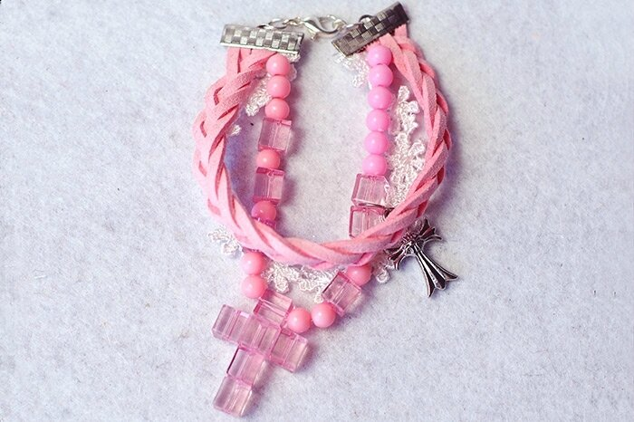 Easy-Tutorial-on-How-to-Make-a-Pink-Braided-Bead-Bracelet-with-Suede-Cord-finished