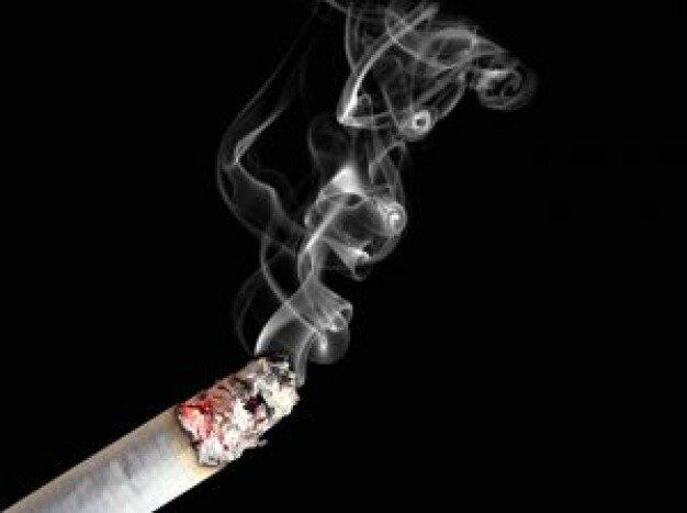 fumer-la-cigarette-et-le-deplacement_2941601