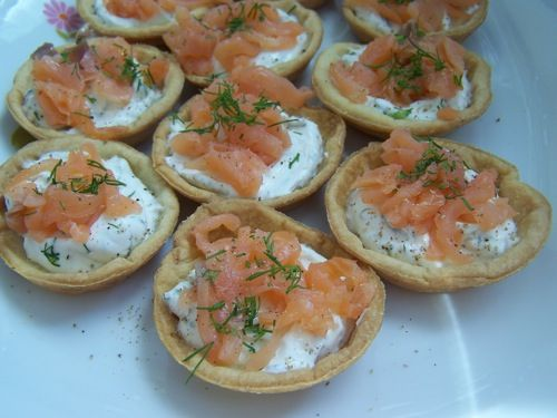 mini tartelettes saumon fum fromage frais et aneth senteurs et aromates. Black Bedroom Furniture Sets. Home Design Ideas