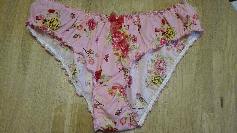 Culotte CHARLOTTE en coton rose fleuri - neoud de mousseline rouge (2)