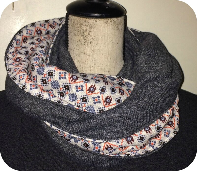snood lainage motif et gris