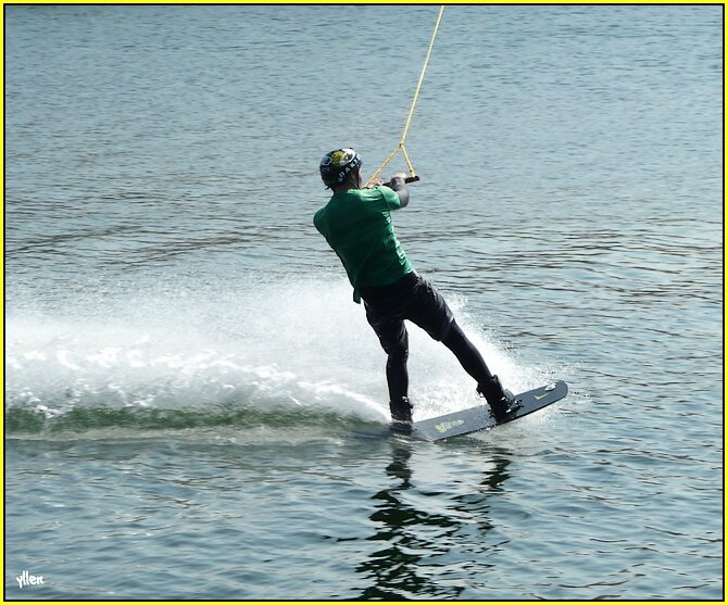 """ LH WAKE PARK DOCKS VAUBAN "" ."