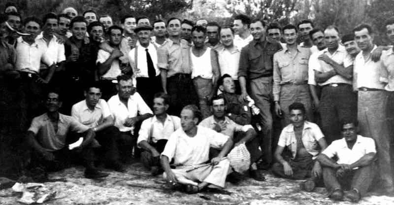Premier anniversaire de la Libération, le 25 août 1945 à Lagnes (Coll. Raymond MAYAN)