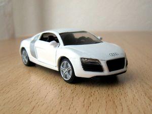 Audi R8 01 -Siku-