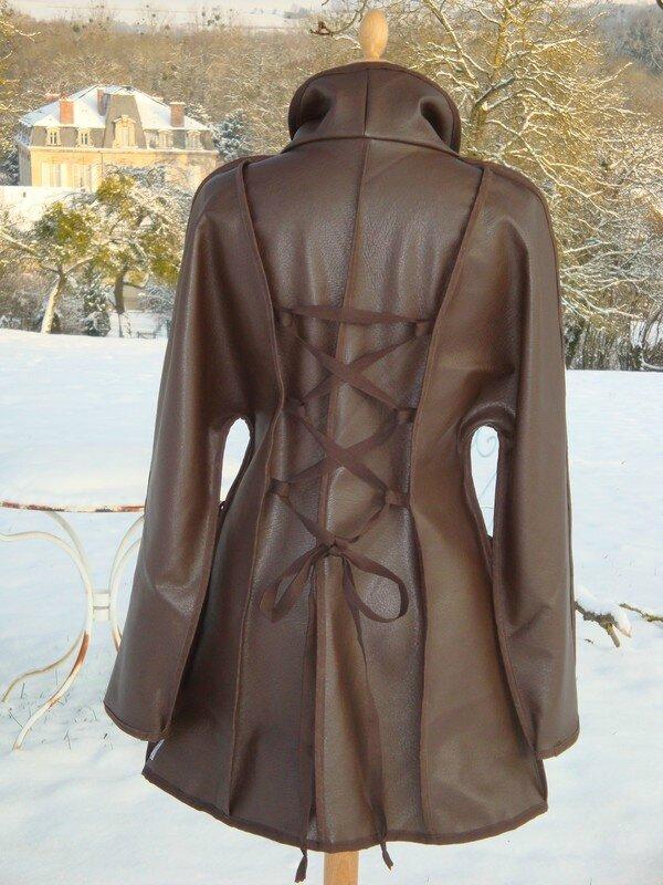 2013-01 veste skaï lacée au dos