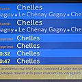 004 Affichage ligne P RER E en gare de Raincy Villemomble -93 (270613)