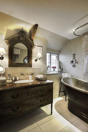 PageImage_484463_1796261_Bathroom1_1_
