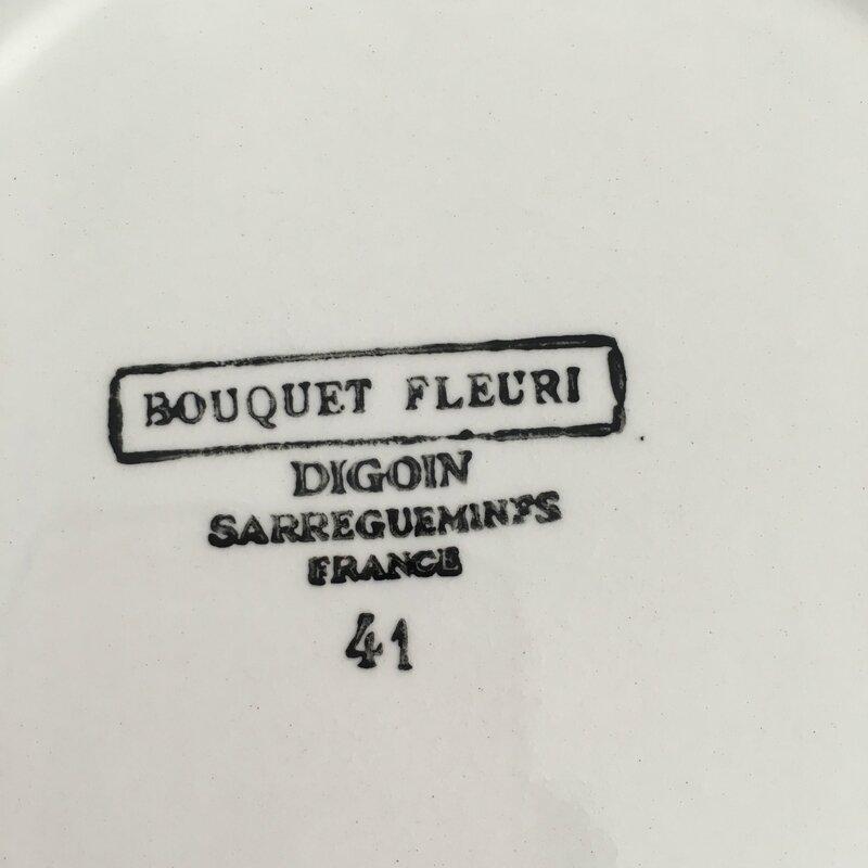 Assiette à soupe Bouquet fleuri estampille