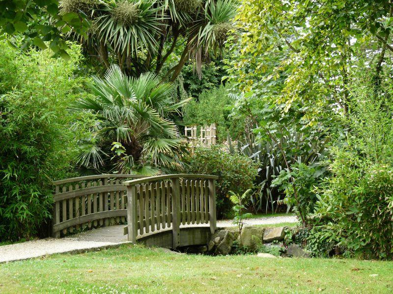 Parc de moulin neuf ploudalmezeau balades au fil des jours for Jardin public pdf