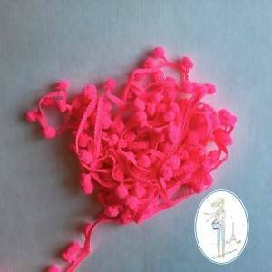 galon-pompons-rose-fluo