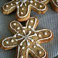 Flocons de neige à la noisette et gingembre (sablés) et l'heureux gagnant du miel