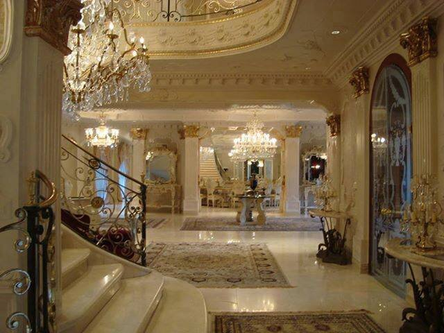 lustres traditionnels pampilles de cristal cr ation artisanale de luminaires de luxe. Black Bedroom Furniture Sets. Home Design Ideas