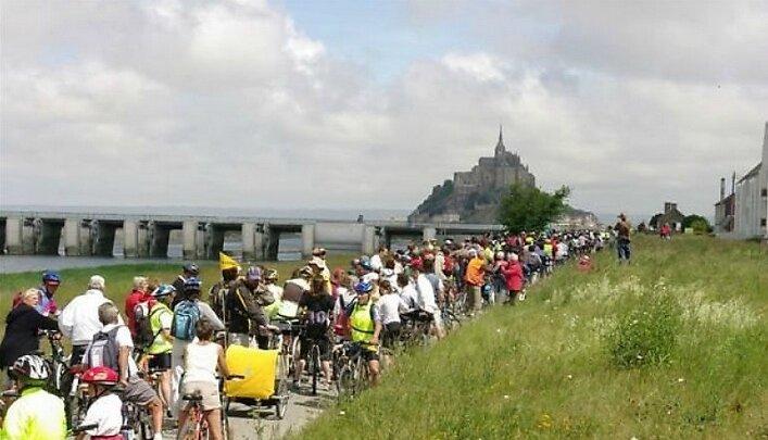 convergence vélo en baie du Mont-Saint-Michel
