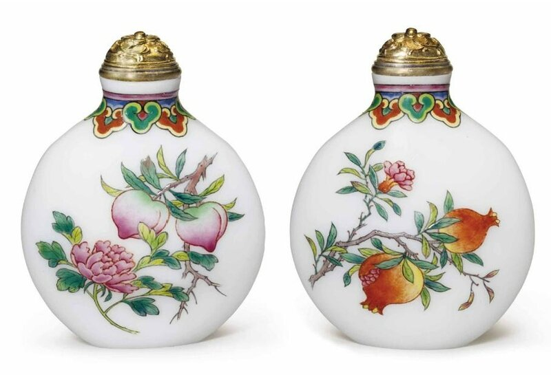 A finely enameled glass snuff bottle, attributed to Ye Benqi or Wang Xisan, circa 1963-1965
