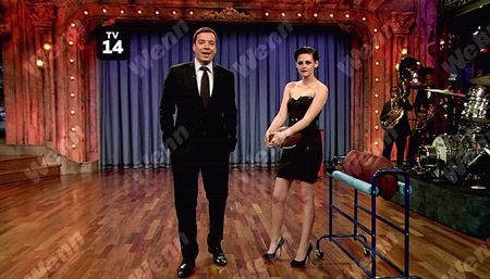 Kristen_Stewart__Jimmy_Fallon_Appearance__November_18th_2009_4