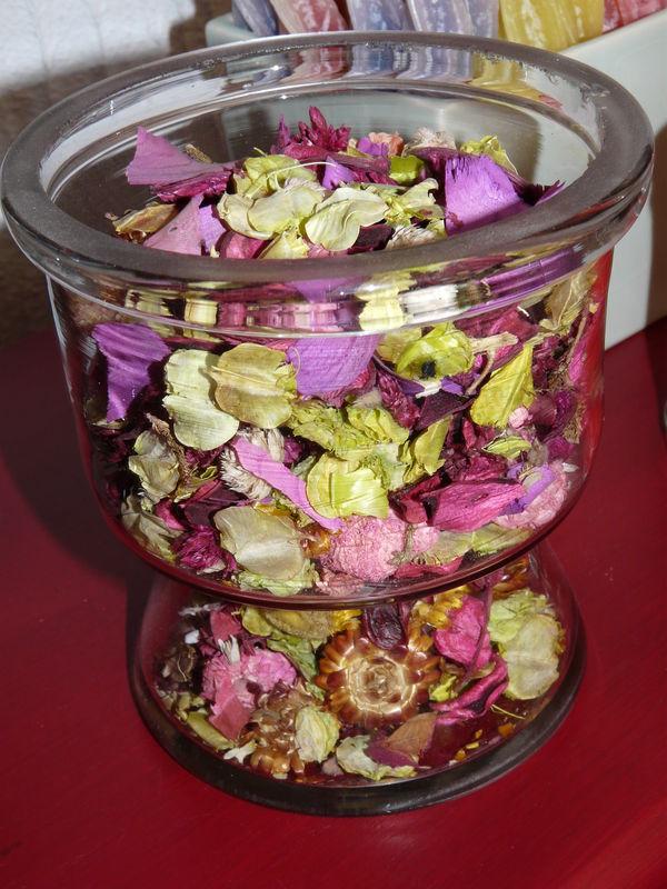 pot pourri de pétales de roses