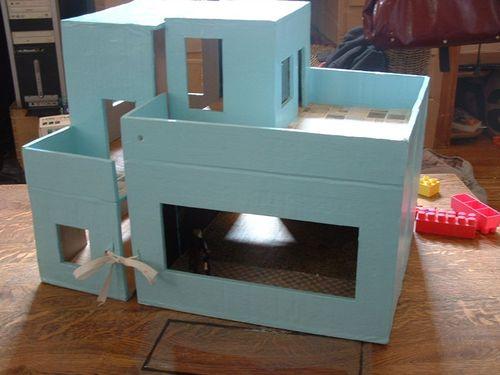 maison playmobil 3 photo de chateaux en carton et. Black Bedroom Furniture Sets. Home Design Ideas