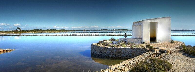 Panorama sur l'Estany Pudent et ses salines, au nord-ouest de l'île