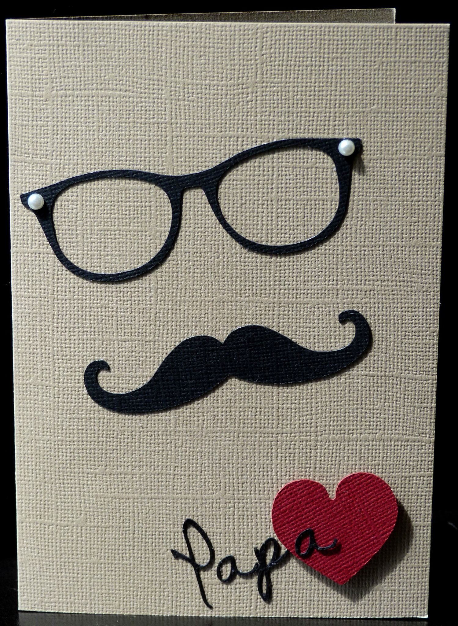 carte artisanale avec lunettes et moustaches pour la f te des p res l2mg la boutique. Black Bedroom Furniture Sets. Home Design Ideas