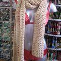 écharpe crochet beige