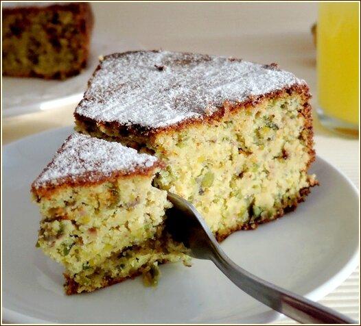 présentation finale cake au citron pistache