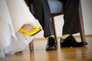 04_chaussures_mariage_jaune