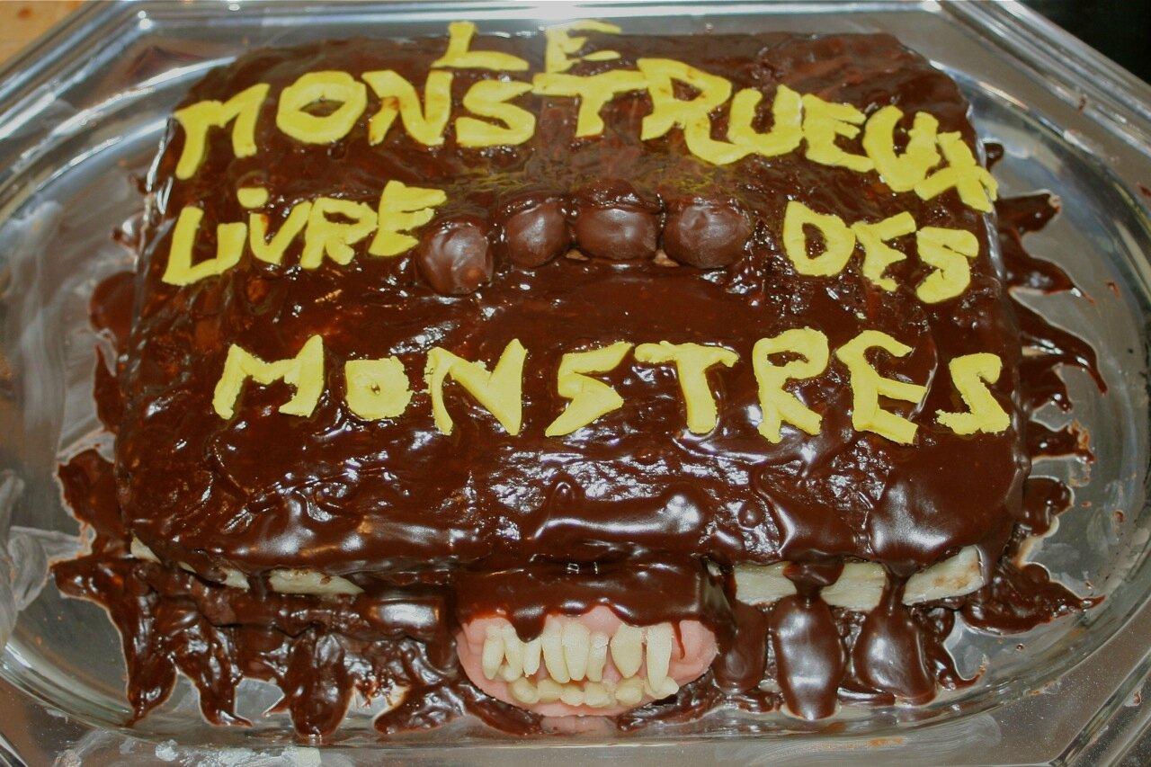 Le Monstrueux Livre Des Monstres En Gateau Le Blog De Mimi
