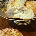 Buns maison aérés au fromage