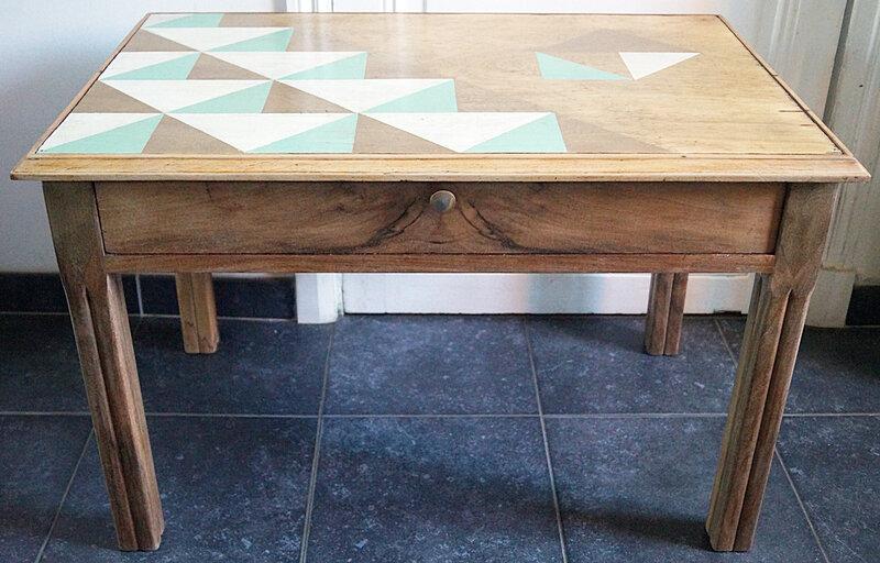 Table basse decor triangles - detoure