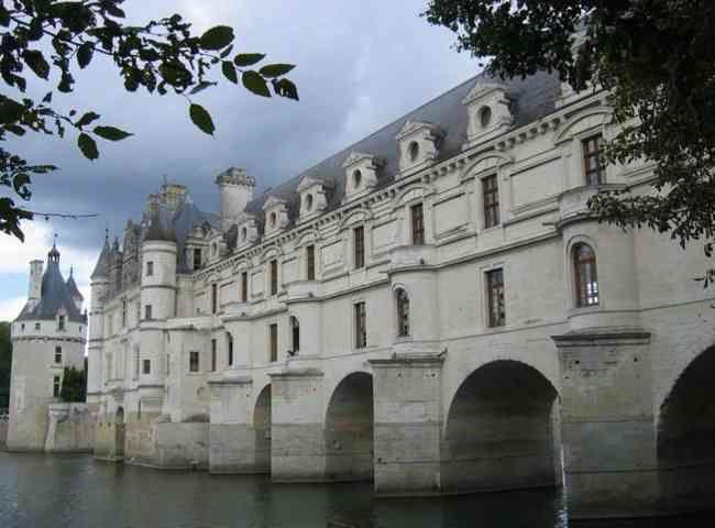 Seckasysteme-Château de Chenonceau enjambant le Cher_rs